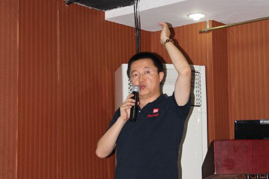 国内业务管理中心市场企划部经理冯纵前:《高校健身的高效健身》